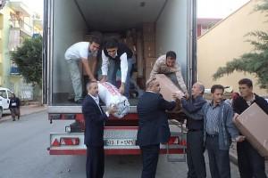 Perakendecilerin Van'a yardımı sürüyor…